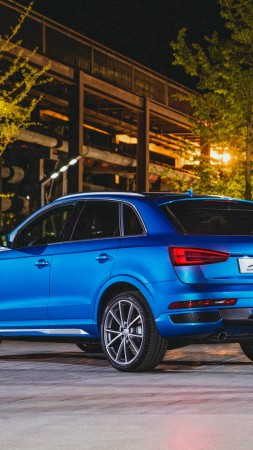 Audi Connected Mobility, Audi Q3, side