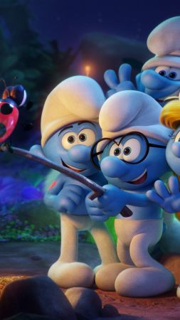 Smurfs: The Lost Village, selfie, Hefty, Clumsy, Smurfette, best animation movies