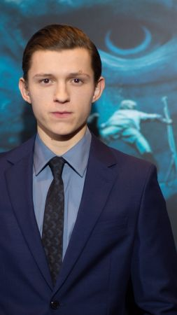 Tom Holland, 4k, photo (vertical)