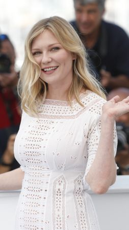 Kirsten Dunst, 4k, photo (vertical)