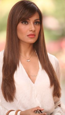 Bipasha Basu, 5k, photo, bollywood (vertical)