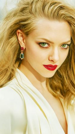 Amanda Seyfried, portrait, HD (vertical)