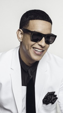 Daddy Yankee, photo, 8k (vertical)