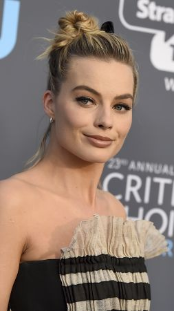 Margot Robbie, photo, Critics' Choice Awards 2018, 4k (vertical)