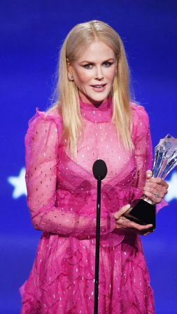 Nicole Kidman, dress, Critics' Choice Awards 2018, 4k (vertical)