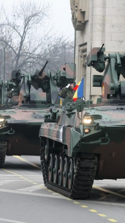 MLI-84, IFV, MLI-84M, infantry fighting vehicle, MICV, Romanian Armed Forces, parade (vertical)