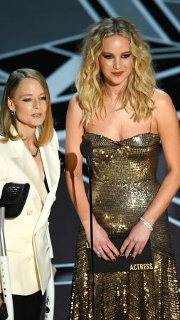 Jennifer Lawrence, Jodie Foster, Oscar 2018, blonde, 4k (vertical)