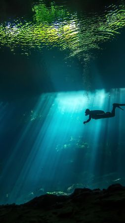 Diver, Sunbeam, Underwater, 4K (vertical)