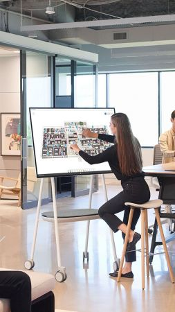 Microsoft Surface Hub 2 (vertical)