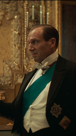The King's Man, Ralph Fiennes, Harris Dickinson, 4K (vertical)