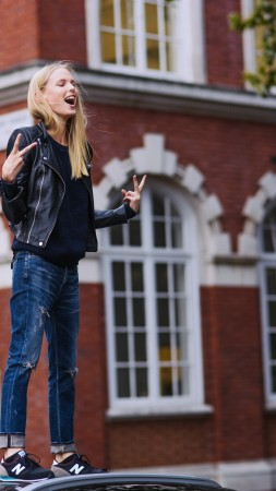 Lina Berg, model, spring 2015 top models, street, blonde, jeabs, funny (vertical)