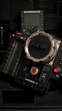 Red Epic, EPIC-M, MYSTERIUM-X, Dragon Collection, rdm, camera, film, professional, review, rent (vertical)