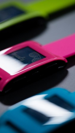 Pebble Smartwatch, limited edition, watches, Pebble, black, silver, e-paper, display, review (vertical)