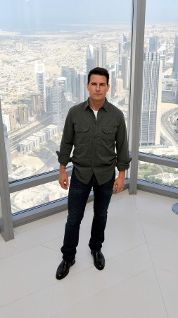 Tom Cruise, Burj Khalifa, Most Popular Celebs in 2015, actor