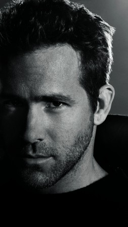 Ryan Reynolds, Most Popular Celebs in 2015, actor (vertical)