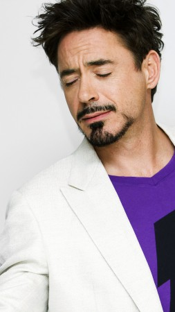 Robert Downey Jr., Most Popular Celebs in 2015, actor, flowers (vertical)