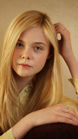 Elle Fanning, Actress, blonde, portrait (vertical)