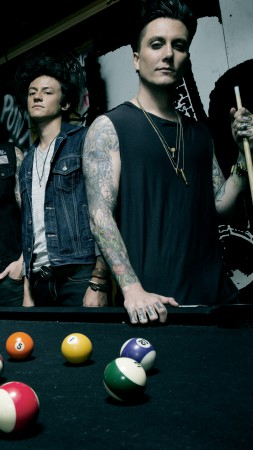 Avenged Sevenfold, Top music artist and bands, M. Shadows, Zacky Vengeance, Synyster Gates, Johnny Christ (vertical)