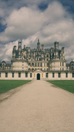 Château de Chambord, France, castle, travel, tourism (vertical)