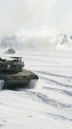 Leopard 2A4, German Army, tank, snow (vertical)