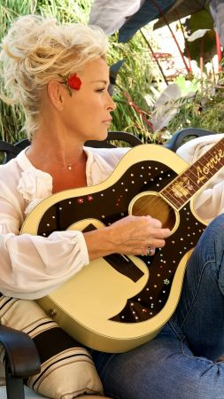 Grits And Glamour, Top music artist and bands, Lorrie Morgan, Pam Tillis (vertical)