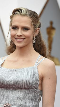 Teresa Palmer, Most Popular Celebs, actress (vertical)