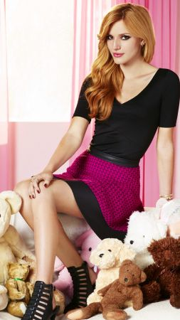 Bella Thorne, Most Popular Celebs, actress, singer, model (vertical)