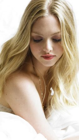 Amanda Seyfried, Most Popular Celebs, actress, model (vertical)