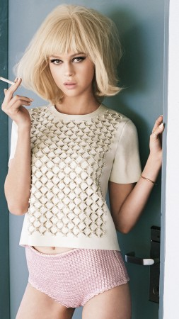 Nicola Peltz, Most Popular Celebs, actress (vertical)