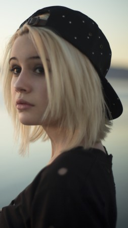 Bea Miller, Top music artist and bands, singer, blonde (vertical)