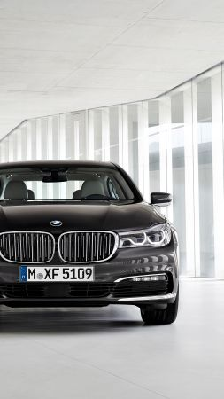 BMW 7-series, black, Frankfurt 2015 (vertical)