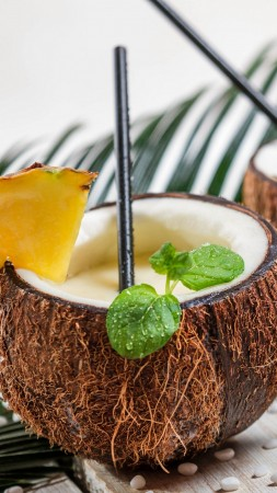 pina colada, coconut, pineapple, cocktail (vertical)