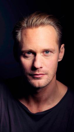 Alexander Skarsgard, Most popular celebs, actor (vertical)