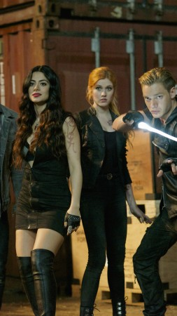 Shadowhunters, Katherine McNamara, Dominic Sherwood, Best TV series (vertical)