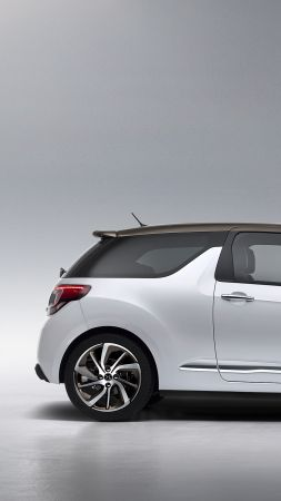 DS 3, Geneva Auto Show 2016, white (vertical)