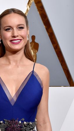 Brie Larson, Oscar 2016, red carpet, Most popular celebs, actress (vertical)