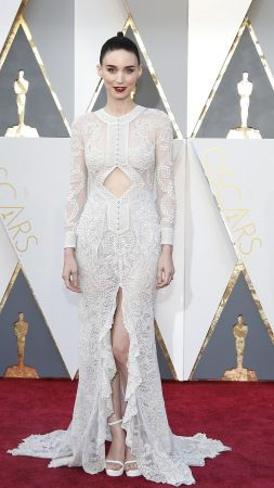 Rooney Mara, Oscar 2016, red carpet, Most popular celebs, actress (vertical)