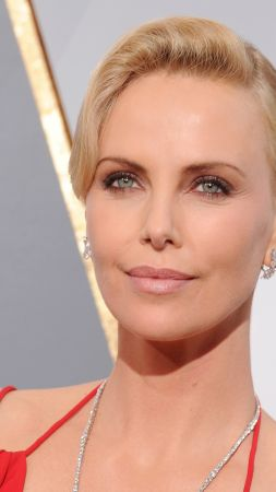 Charlize Theron, Oscar 2016, red carpet, Most popular celebs, actress (vertical)