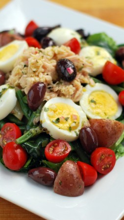 asparagus, potatoes, olives, chicken, eggs, cherry tomatoes, spinach, cooking, recipe (vertical)