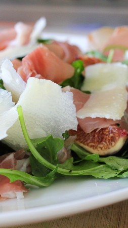 arugula, prosciutto, cheese, figs, peaches, recipe, cooking