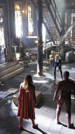 The Flash, Supergirl, Crossover, Grant Gustin, Melissa Benoist, Best TV Series (vertical)