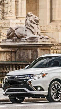 Mitsubishi Outlander PHEV, plug-in, hybrid, crossover, NYIAS 2016, white (vertical)