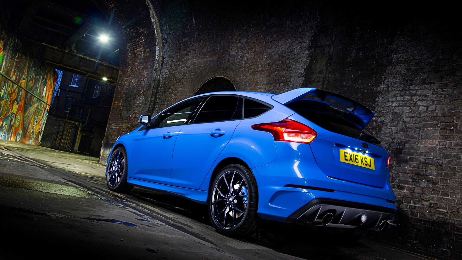 Ford Focus RS, hatchback, blue, night (horizontal)