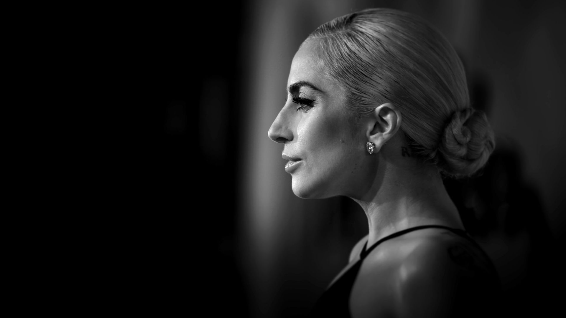 Lady Gaga, Stefani Joanne Angelina Germanotta, songwriter, record producer, philanthropist, designer, actress, silver, balloon, blonde (horizontal)