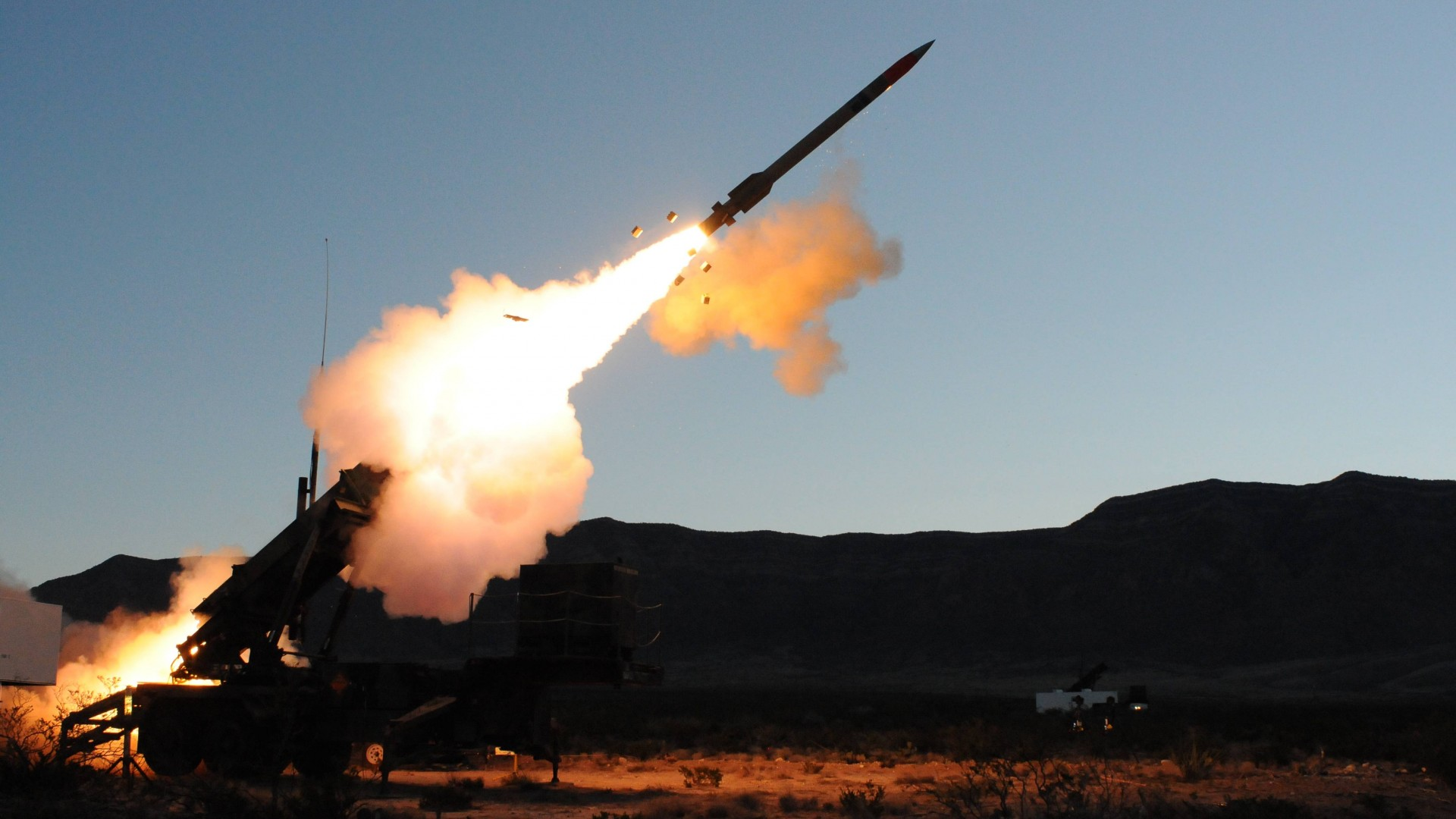 MIM-104, Patriot, SAM, missile system, Raytheon, MIM-104F, PAC-3, USA Army, missile firing (horizontal)