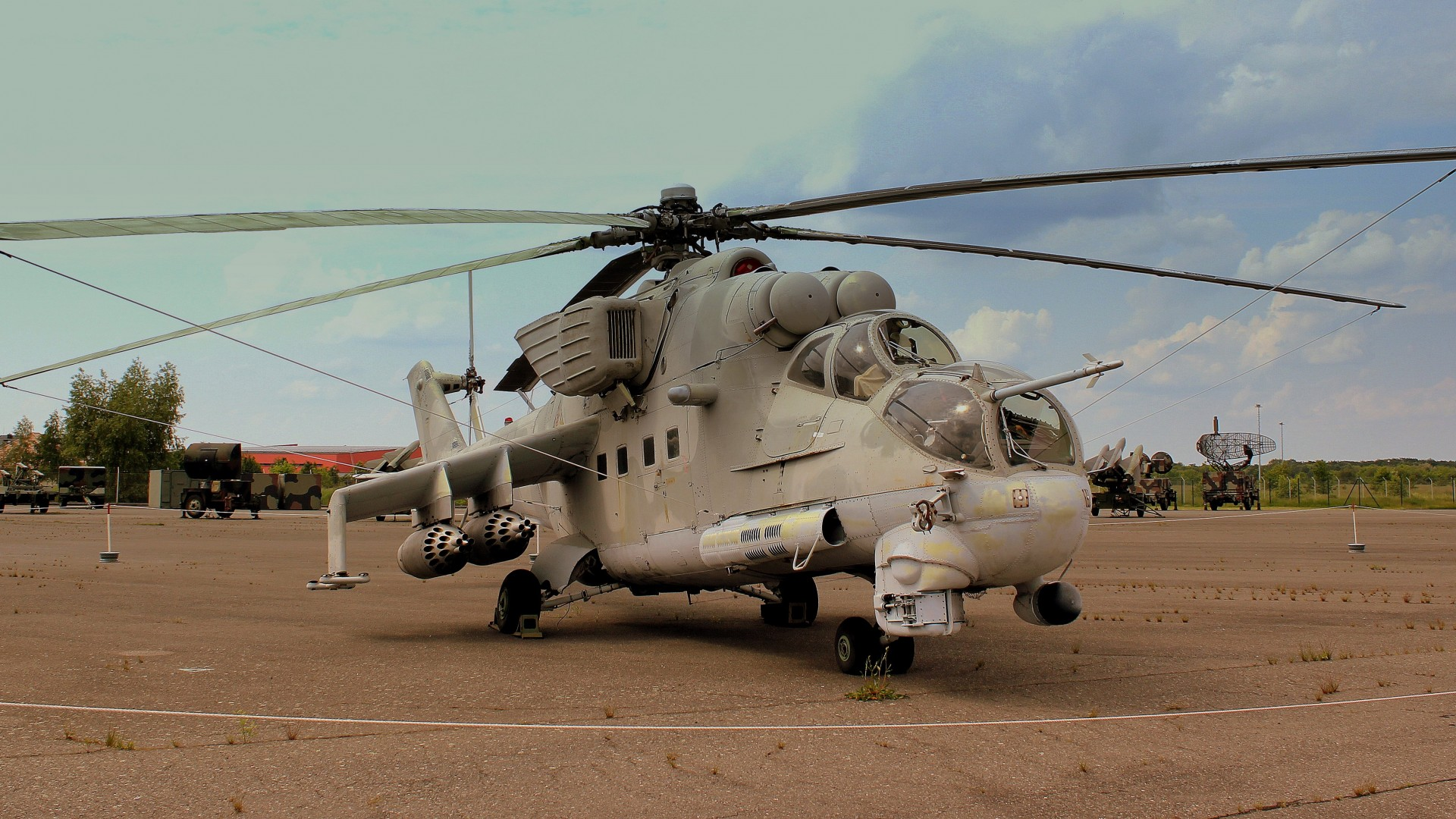 Mi-24, Mil, Hind, attack helicopter, Crocodile, flying tank, Russian Air Force (horizontal)