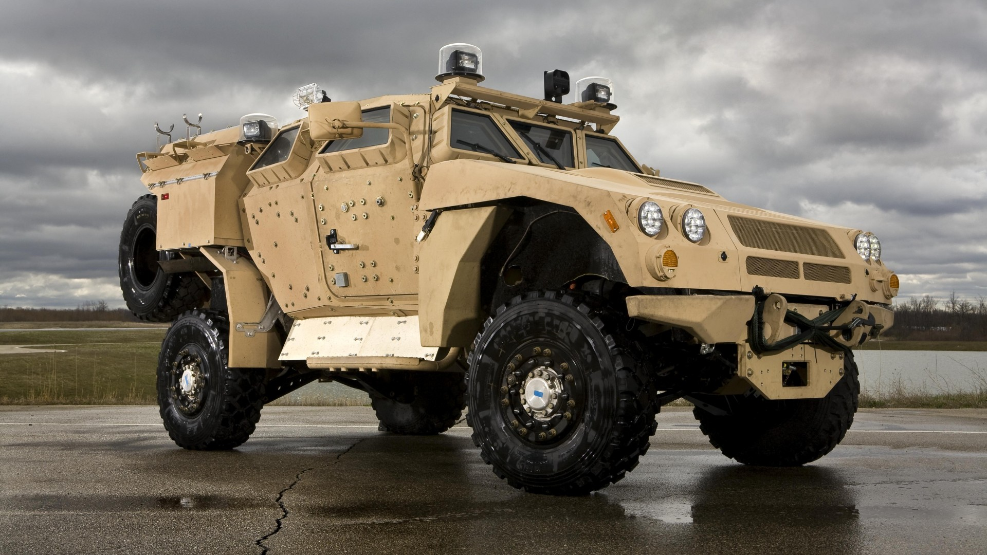 M-ATV, Oshkosh, MRAP, TerraMax, infantry mobility vehicle, runway (horizontal)