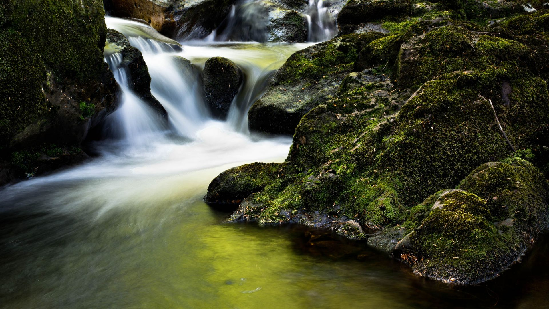 Waterfall, Ireland, 4K (horizontal)
