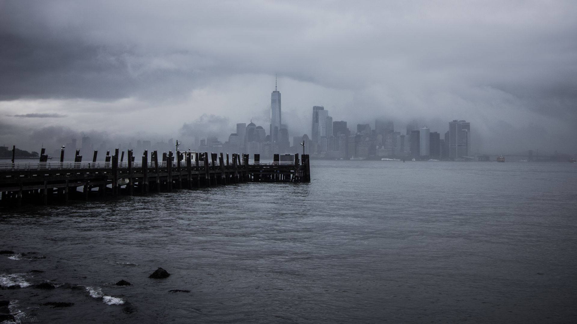 New York City, USA, pier, 4K (horizontal)