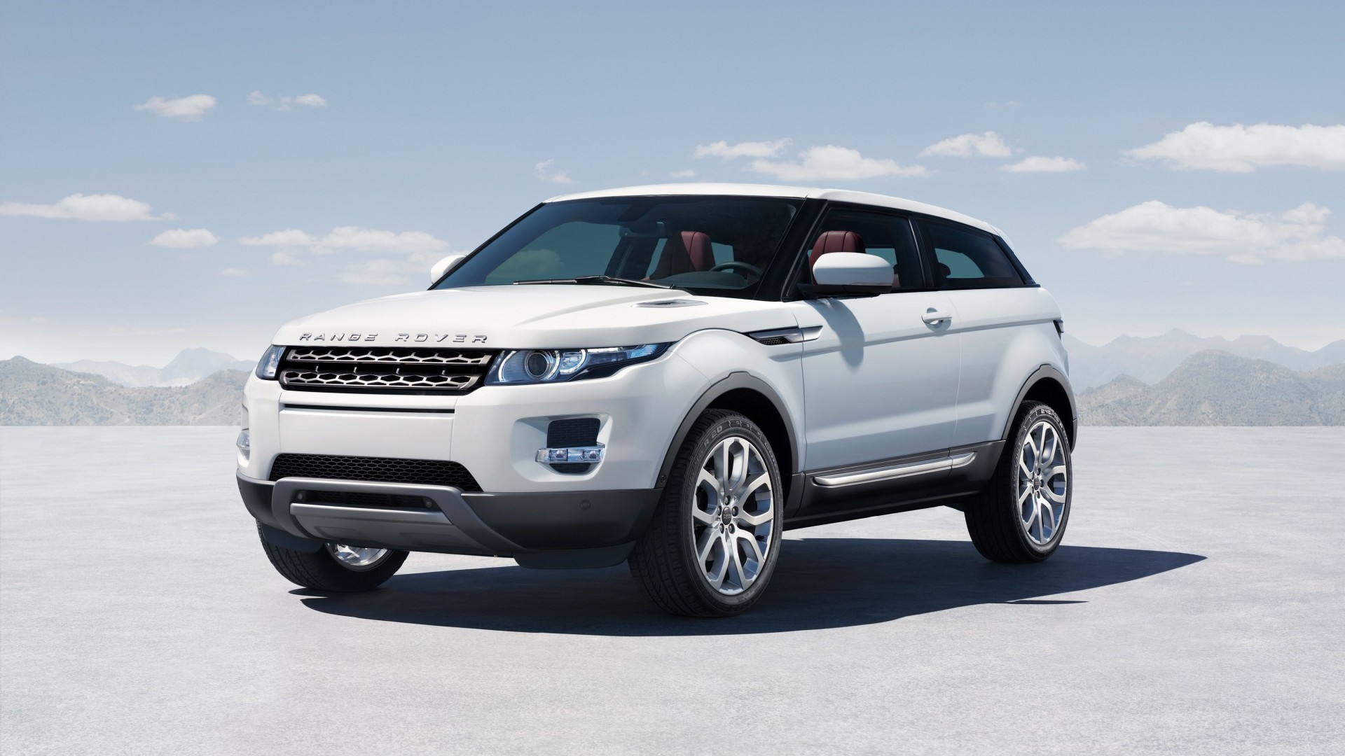 Range Rover Evoque, crossover, luxury cars, sports car, SUV, Ecoboost, test drive, buy rent, review (horizontal)